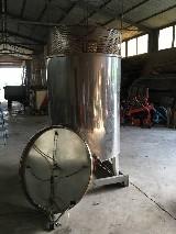 Cisterna  Acciaio pigiatura e stoccaggio vino