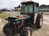 Trattore New holland  82-86