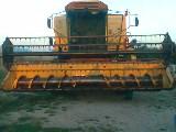 Mietitrebbia New holland Tf 42