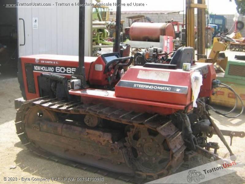 Trattore cingolato fiat new holland 85 60 for Trattori agricoli usati in sardegna