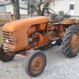 Trattore d'epoca Renault R 7055