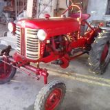 Trattore d'epoca International Farmall cub
