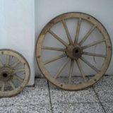 Ruote  Carro antiche in ferro e legno