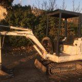 Mini escavatore  Bobcat 220 x
