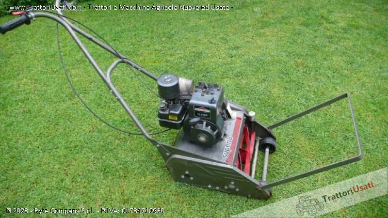 Tagliaerba elicoidale superia for Motore tagliaerba
