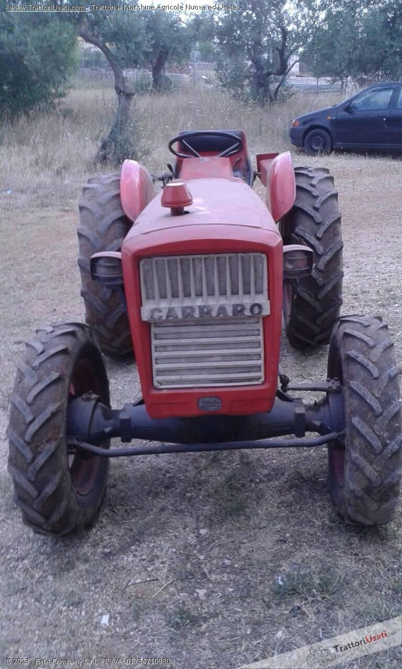 Trattore carraro con accessori for Consorzio agrario piacenza trattori usati